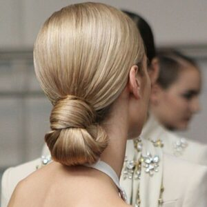 Sleeked low-Bun Knots
