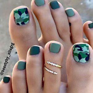 Fun camouflage nails