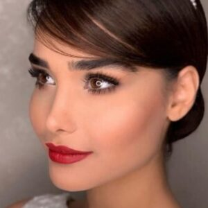 Gorgeous Bridal Makeup With Bright Lips