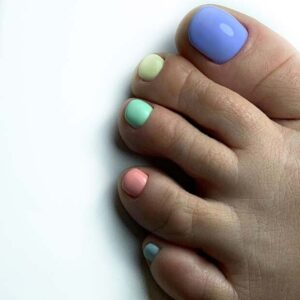 Colored pastel toe nails