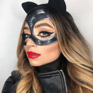 Catwoman halloween makeup